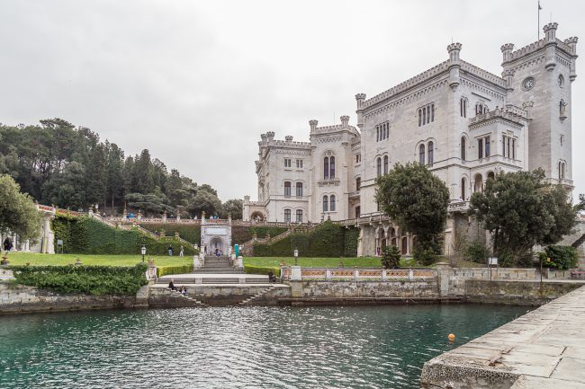 Blick auf Schloss Miramare